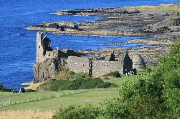 dunure castle.jpg