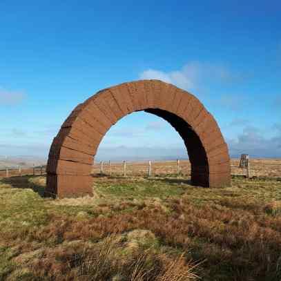 striding arch1