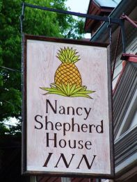pineapple sign1